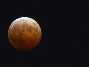 空振の皆既月食-2