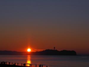 三が日の朝は海岸で-01