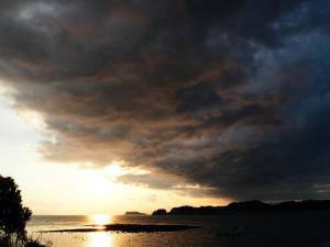材木座海岸からの江ノ島と富士山-3