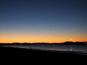 海岸で週末の朝陽を撮って見た-06