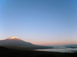 山中湖からのパール富士?_04